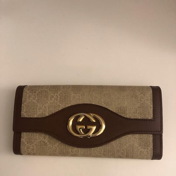 7f31f0645361 Gucci Bags | Soho Leathercanvas Long Wallet | Poshmark